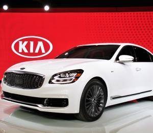 Kia apuesta por el segmento de lujo con la nueva versión del K900