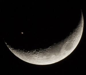Una nave espacial pasará frente a la Luna