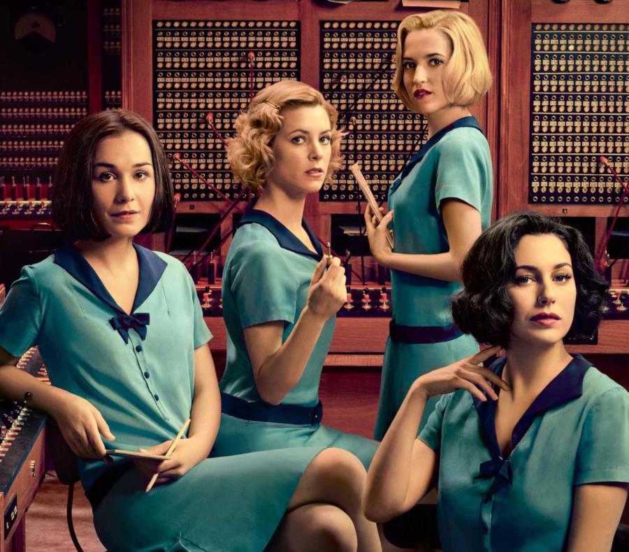 Carlota (centro) debe lidiar con sus sentimientos por Sara y su actual relación en Las chicas del cable. (Suministrada) (semisquare-x3)