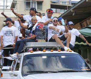 Los Cangrejeros celebraron con el pueblo su campeonato de la Liga de Béisbol Profesional