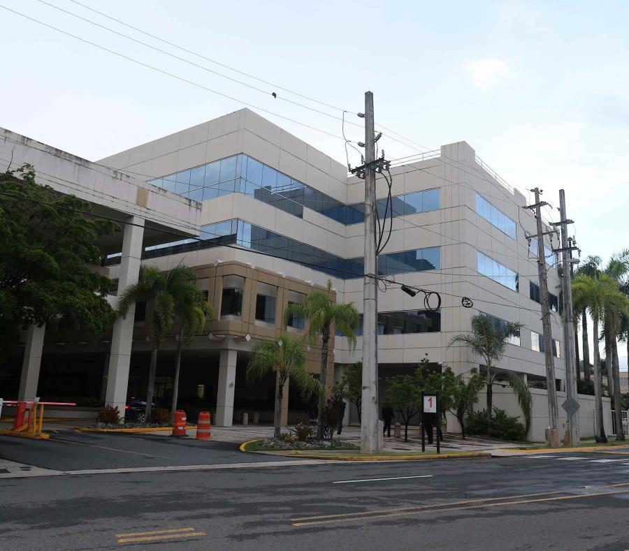 Edificio que alberga la compañia de seguros Real Legacy  Assurance. (semisquare-x3)