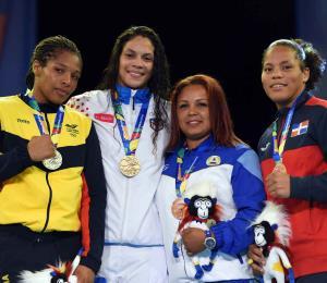 La boxeadora Nisa Rodríguez le da a Puerto Rico su medalla de oro número 17