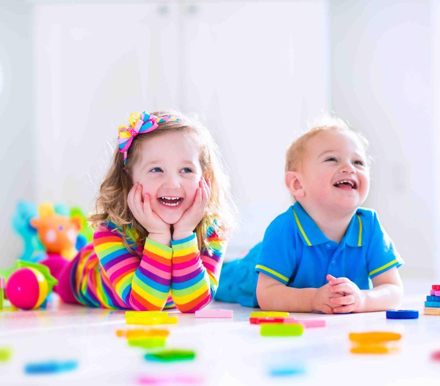 Al adquirir juguetes no solo se debe tomar en cuenta la edad de los chicos, sino también su nivel de desarrollo y la seguridad. (Shutterstock) (semisquare-x3)