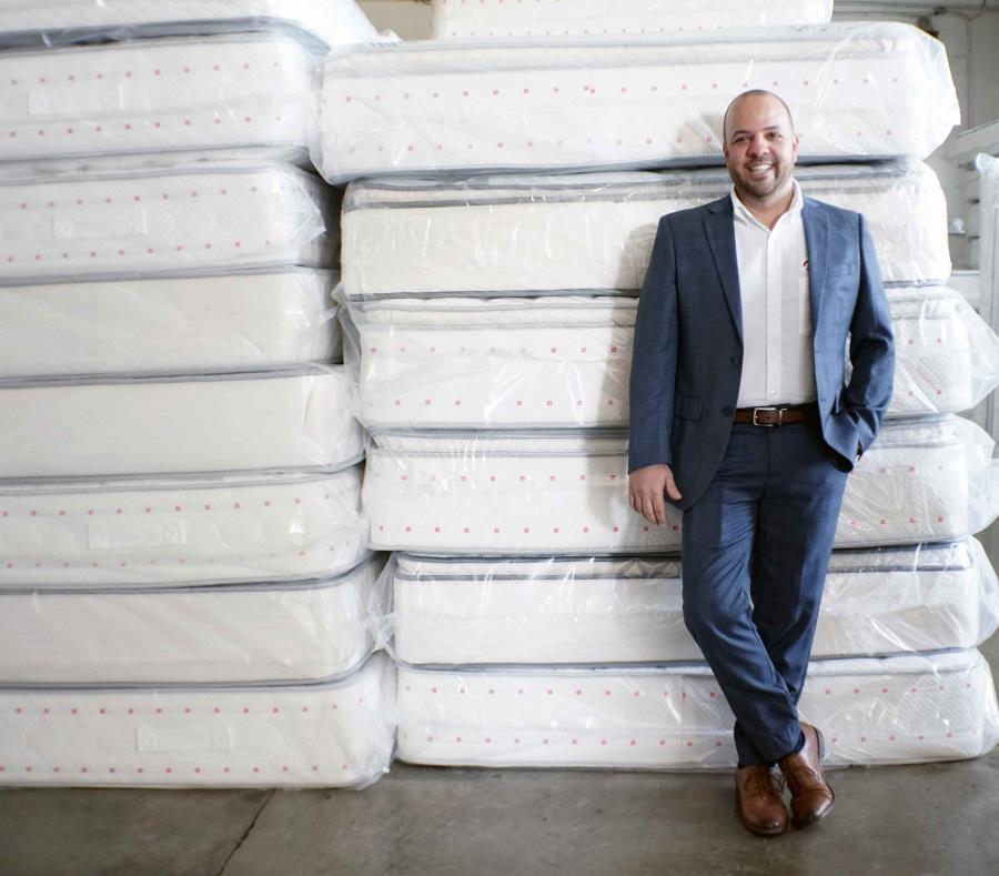 Javier Tejeda, director de Operaciones y Ventas de Global Mattress, en Florida, habló de los planes futuros de la empresa boricua. (GFR Media) (semisquare-x3)