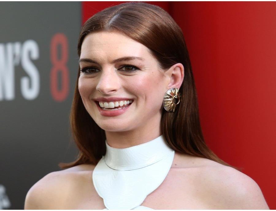 La actriz reveló que este incidente ocurrió justo antes de entrar al programa de Stephen Colbert. (semisquare-x3)
