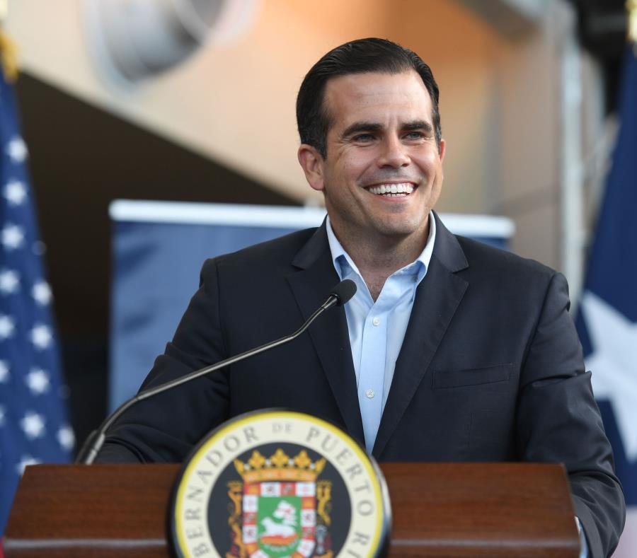 El gobernador Ricardo Rosselló se expresó en contra de medida alguna que atente contra los derechos establecidos en la Constitución. (GFR Media) (semisquare-x3)
