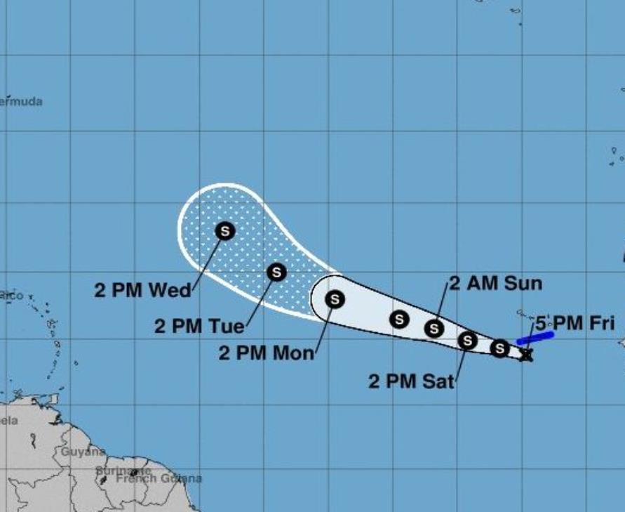 La depresión se ubica a 115 kilómetros (70 millas) al sursuroeste de las Islas de Cabo Verde. (semisquare-x3)