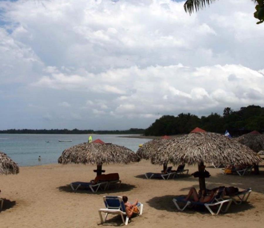 Vuelve de Punta Cana la chica que estuvo en coma