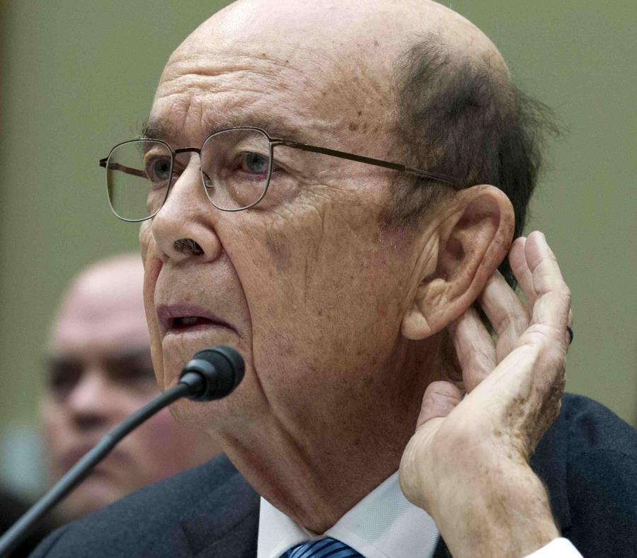 El secretario de Comercio, Wilbur Ross, testificando ante el Comité de Supervisión de la cámara baja en el Capitolio. (AP/José Luis Magaña) (semisquare-x3)