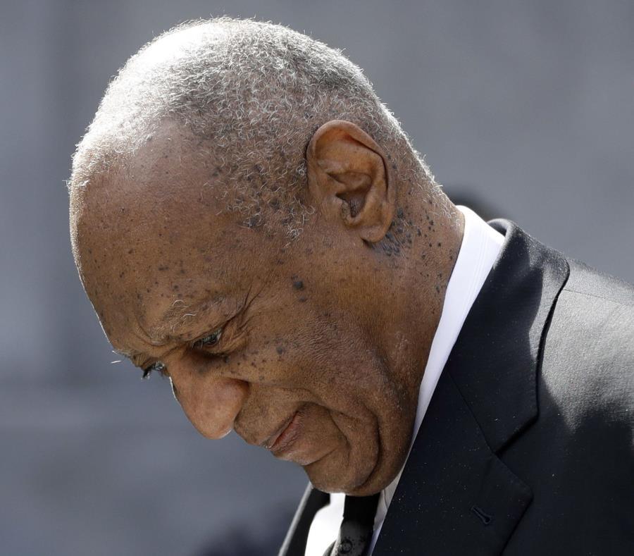 Bill Cosby a su salida de una audiencia el pasado 6 de marzo de 2018. (AP) (semisquare-x3)