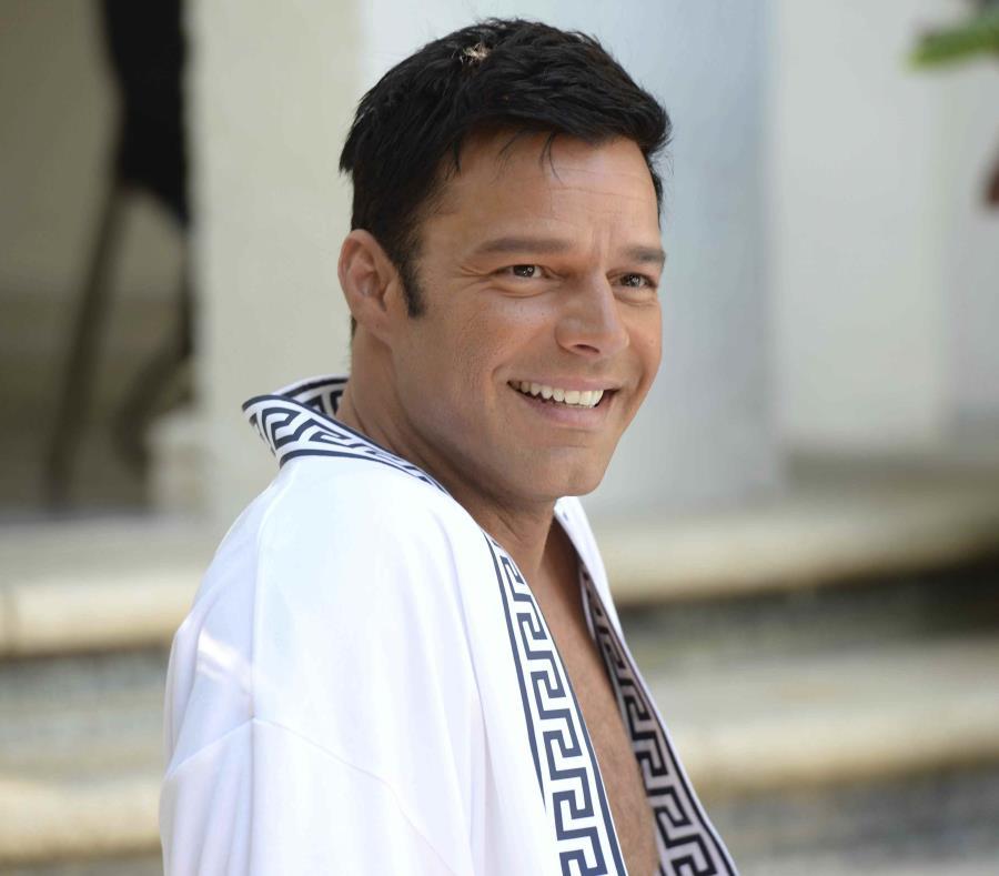 En esta imagen difundida por FX, Ricky Martin en una escena de