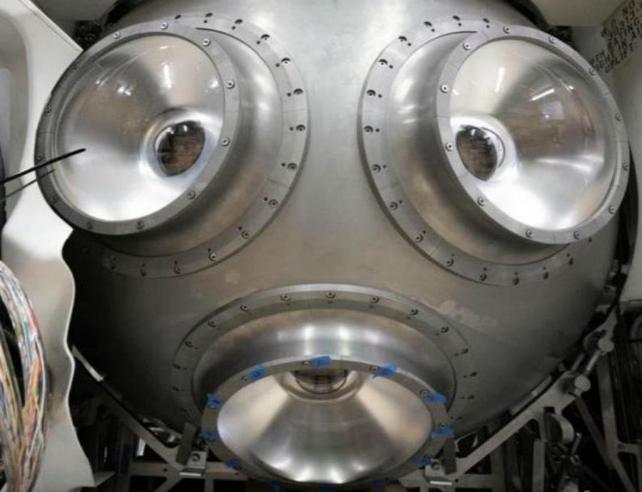 El Triton 3600 pesa 11.2 toneladas y es mucho más ligero que otras naves de buceo (semisquare-x3)
