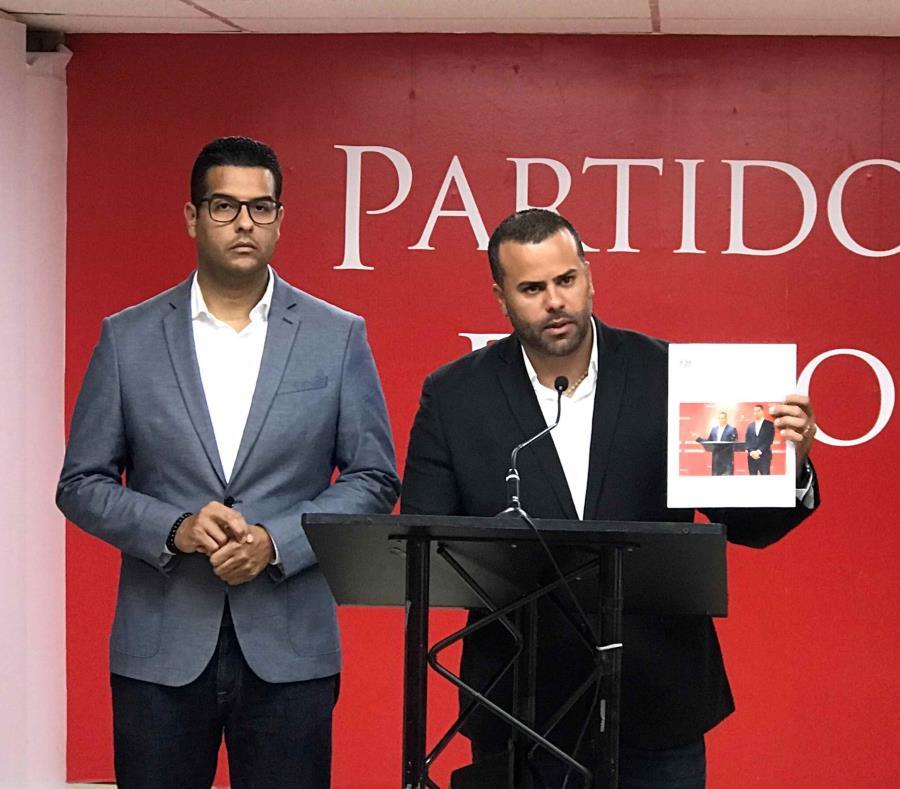 El portavoz alterno del PPD en la Cámara de Representantes, Ramón Luis Cruz Burgos, junto al representante Jesús Manuel Ortiz. (Suministrada) (semisquare-x3)