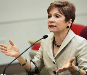 """Economista advierte que reforma contributiva sería un """"segundo"""" María"""