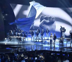 Impresionante Residente en apertura de los Latin Grammy