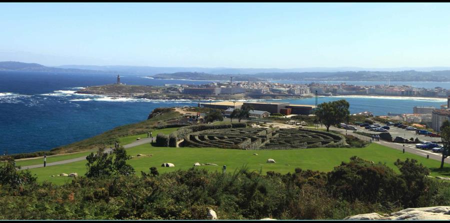 Desde el Parque do Monte de San Pedro se ven unas vistas espectaculares del casco antiguo de La Coruña. (Suministrada)