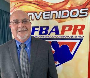 José Quiles revalida como presidente de la Federación de Béisbol