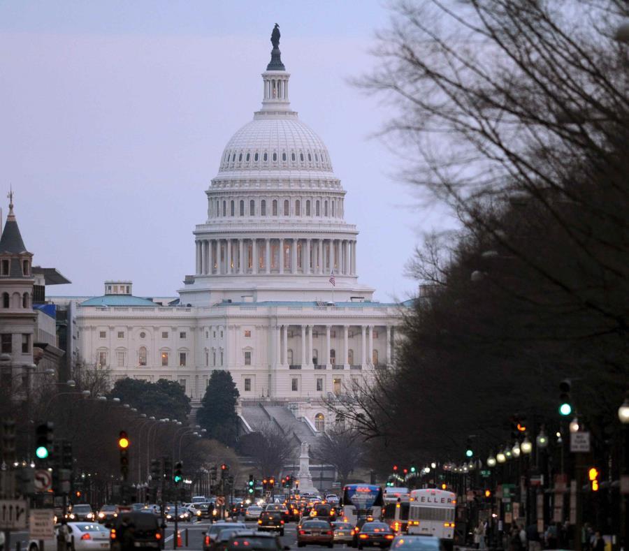 Subcomité propone $1,000 millones en Medicaid para Puerto Rico (semisquare-x3)