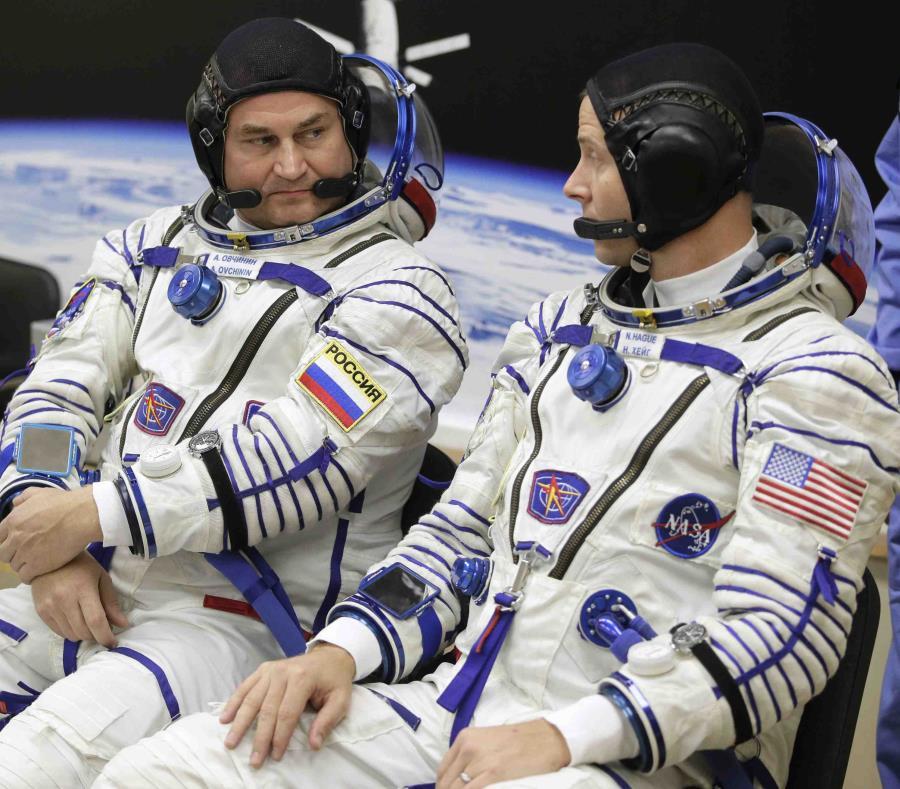 Astronautas realizan aterrizaje de emergencia tras falla de la nave Soyuz
