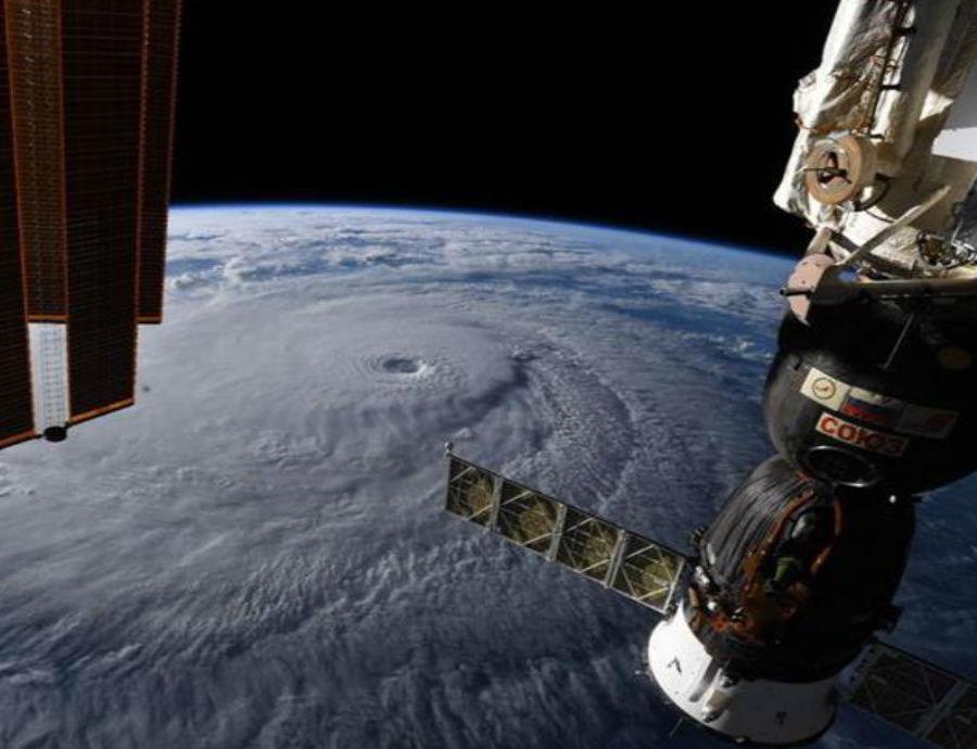 Reparan la fuga de aire en la Estación Espacial Internacional (semisquare-x3)