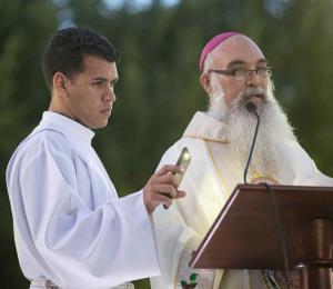 El obispo Rubén González urge a la feligresía a no votar por candidatos que sean cómplices de la corrupción
