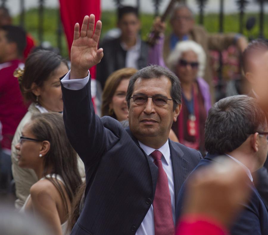 Adán Chávez, hermano del fallecido presidente Hugo Chávez (semisquare-x3)