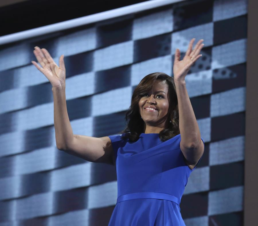 Michelle Obama confesó en su libro que es fanática de la obra Hamilton. (EFE / Andrew Gombert) (semisquare-x3)