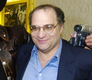 El hermano de Harvey Weinstein fue acusado de acoso