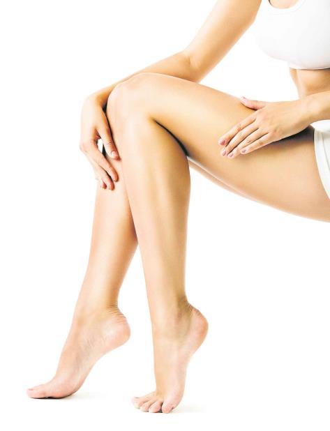 Trucos naturales para blanquear las rodillas (vertical-x1)