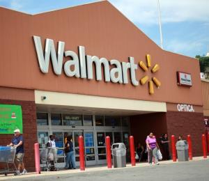 Walmart no aplicará el alza salarial en la isla
