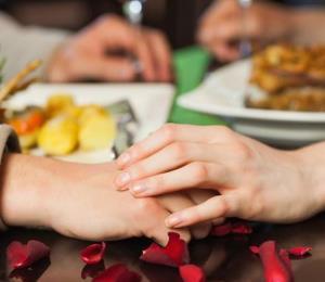 Los consumidores prefieren ir a cenar en San Valentín