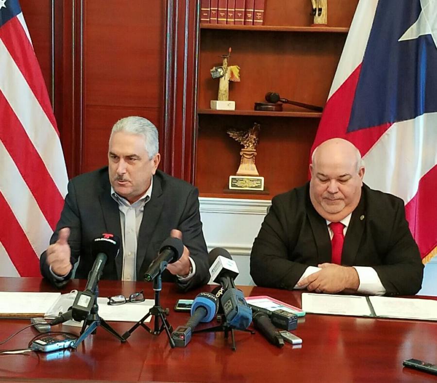 Thomas Rivera Schatz, presidente del Senado, y Carlos