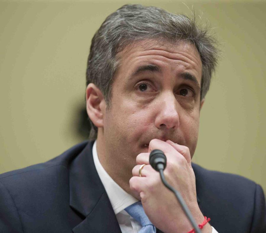 El ex abogado personal de Donald Trump, Michael Cohen, escucha una pregunta durante una audiencia en la Comisión de Supervisión de la Cámara de Representantes en el Capitolio. (AP/Alex Brandon) (semisquare-x3)