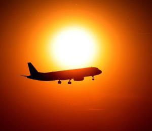 Dos aviones estuvieron a punto de chocar y el piloto insulta a la controladora aérea