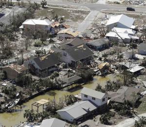 Florida pide más ayuda federal tras la reclasificación de la potencia del huracán Michael