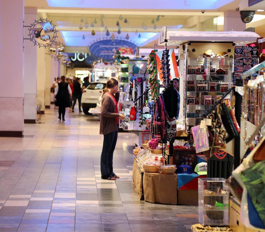 Salvation Army está ubicado en el pasillo entre Macy's y JCPenney en el primer nivel de Plaza Las Américas. (GFR Media) (semisquare-x3)