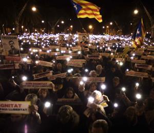 Cataluña inaugura su parlamento en medio de crisis secesionista