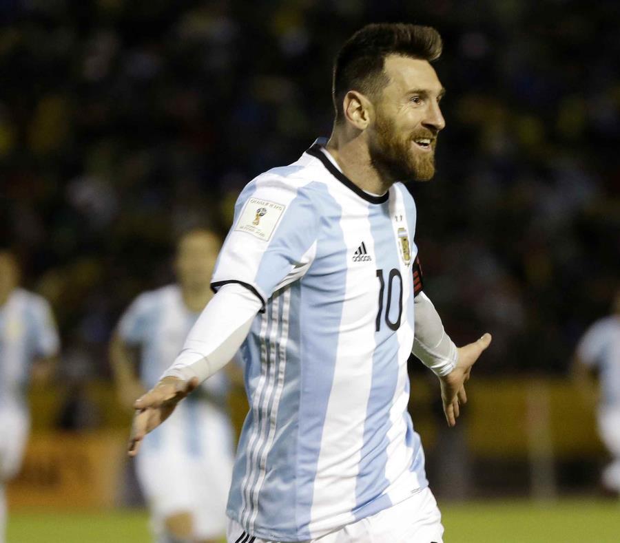 Lionel Messi intentará regalarle a Argentina su primera Copa del Mundo desde la edición de 1986, celebrada en México. (semisquare-x3)