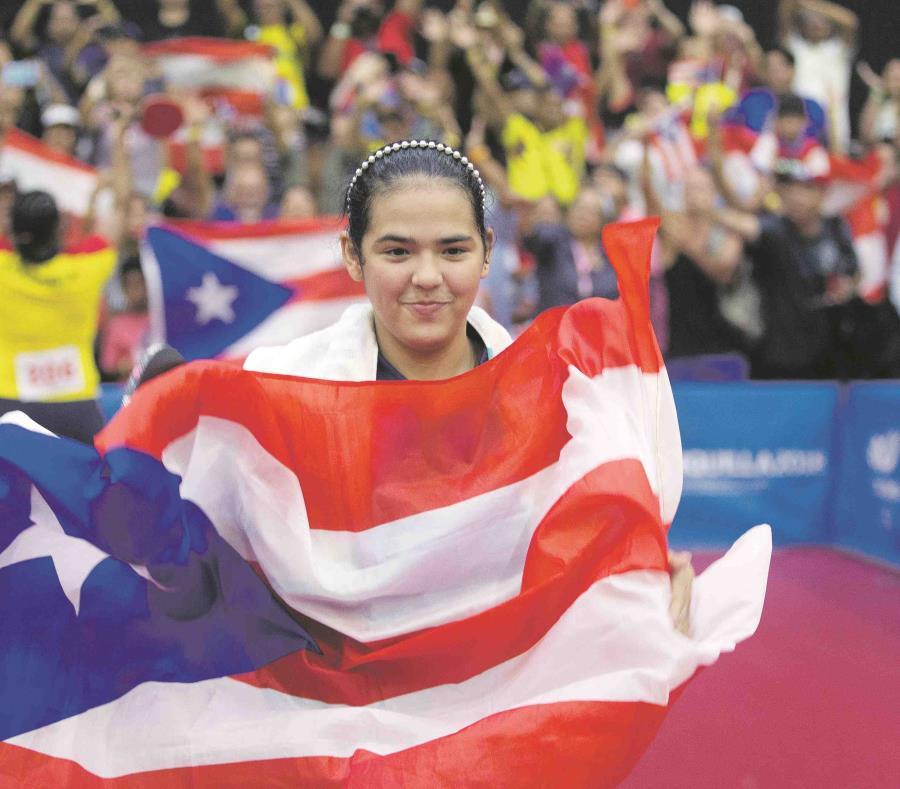 La tenimesista Adriana Díaz (semisquare-x3)