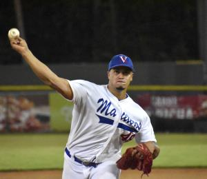 El lanzador Fernando Cruz entiende que la Doble A debe reanudarse con público