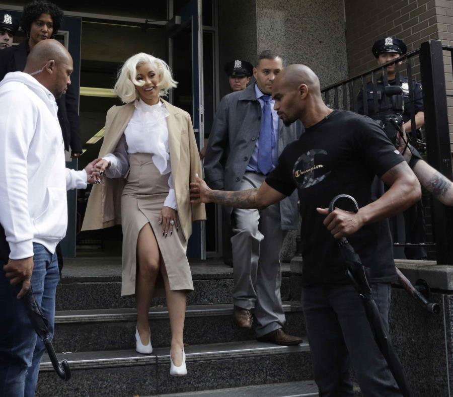La cantante Cardi B fue citada por una presunto escándalo que protagonizó en un club nocturno en Queens. (semisquare-x3)