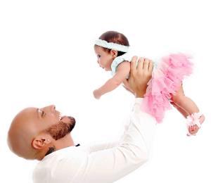 El reguetonero Alexis presenta a su bebé