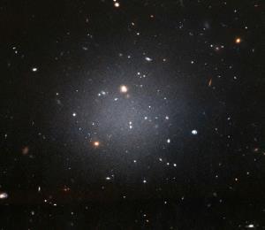 La misteriosa materia oscura que solo interactúa con la gravedad