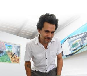 Un artista plástico usa sus obras para concienciar sobre los entornos