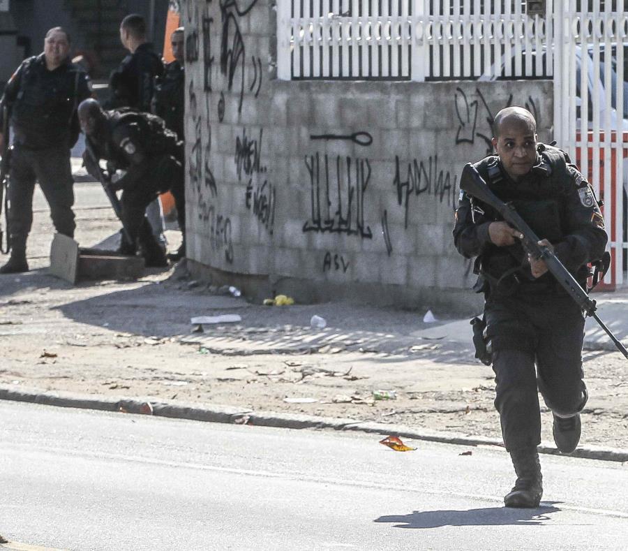 La Policía brasileña confirmó la muerte de 8 personas a causa del tiroteo en una escuela en Sao Paulo, Brasil. (semisquare-x3)