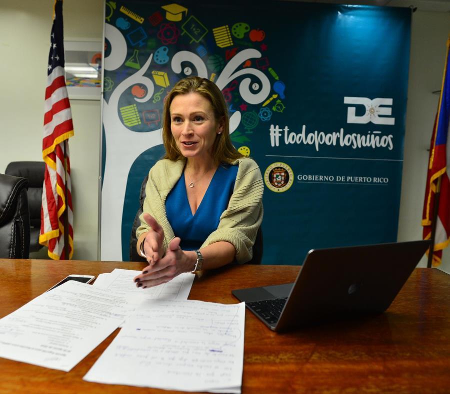 El monto de las contrataciones suscritas por Julia Keleher no incluye los servicios adquiridos mediante órdenes de compra, las cuales no se registran en la Oficina del Contralor. (semisquare-x3)