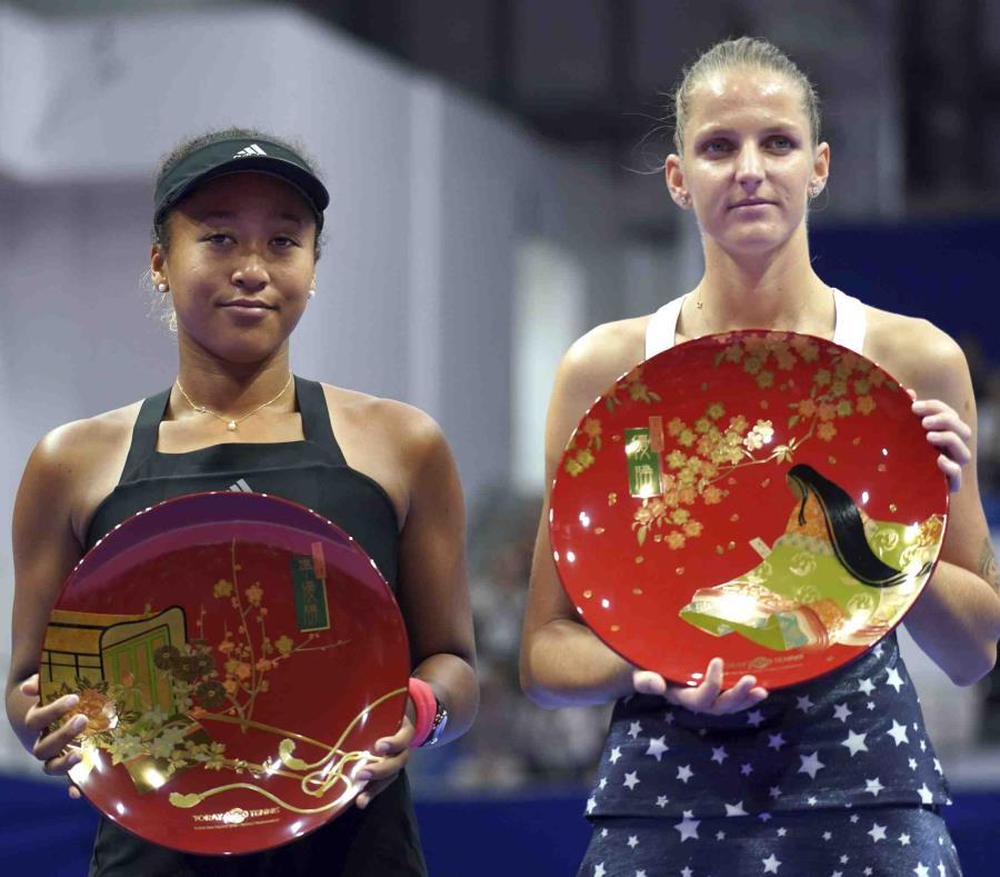 Pliskova derrota a Osaka y gana el Abierto de Tokio