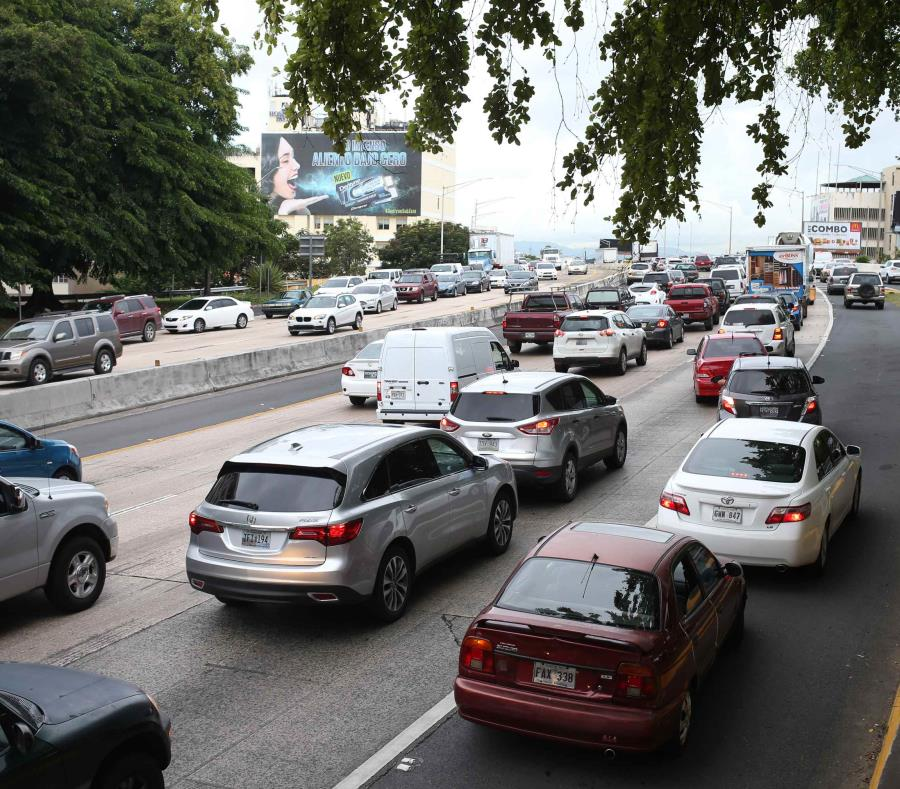 En uno de los vehículos viajaba un adulto mientras que en el otro iban una mujer con las dos menores heridas. (GFR Media) (semisquare-x3)
