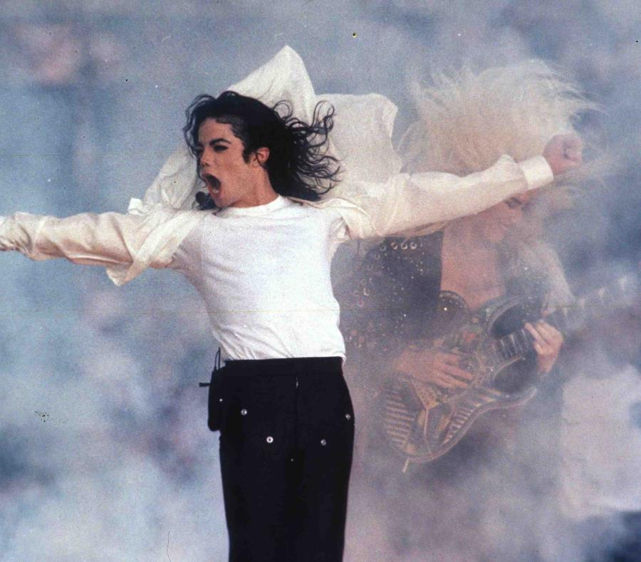 Demandan a HBO para impedir que emita polémico documental sobre Michael Jackson