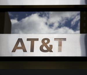 Clientes de AT&T confrontan problemas para hacer llamadas